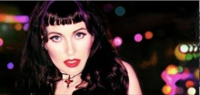 My new friend on Twitter: US performer Katya.